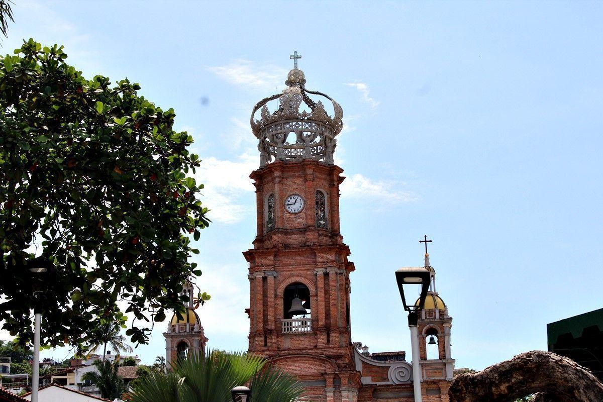 Nuestra Señora de Guadalupe y su gran corona