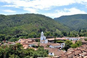 San Sebastián del Oeste: un pueblo atrapado en el tiempo
