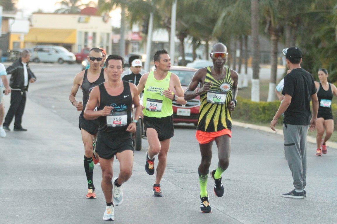 Maratón Puerto Vallarta consolida el turismo deportivo