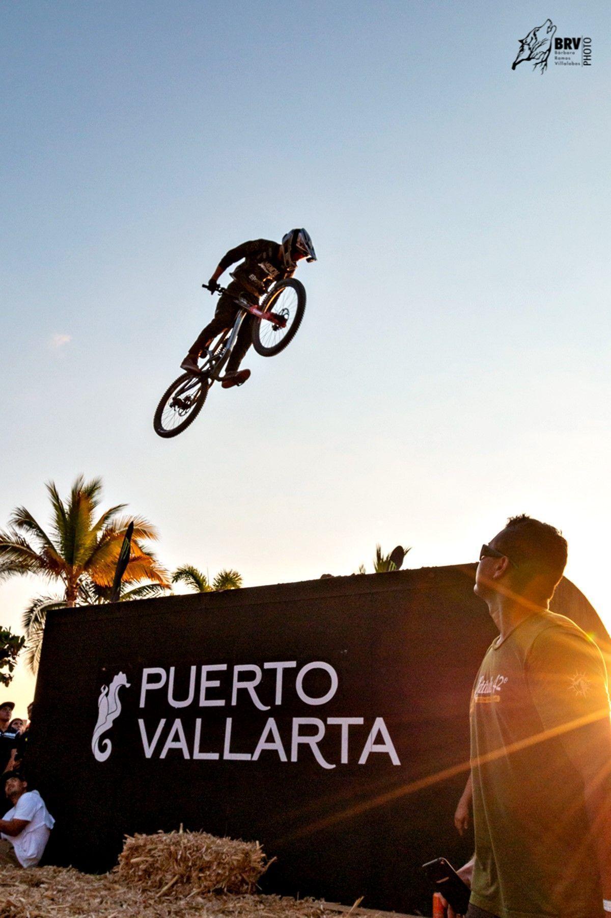 Down Hill 2019: Jinetes en el cielo de Vallarta