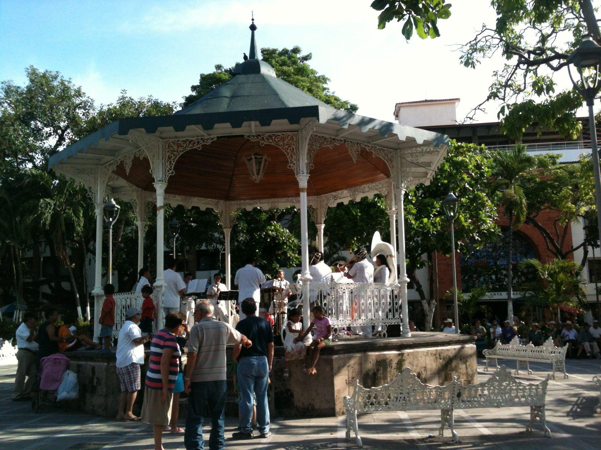 Plaza de armas, Puerto Vallarta