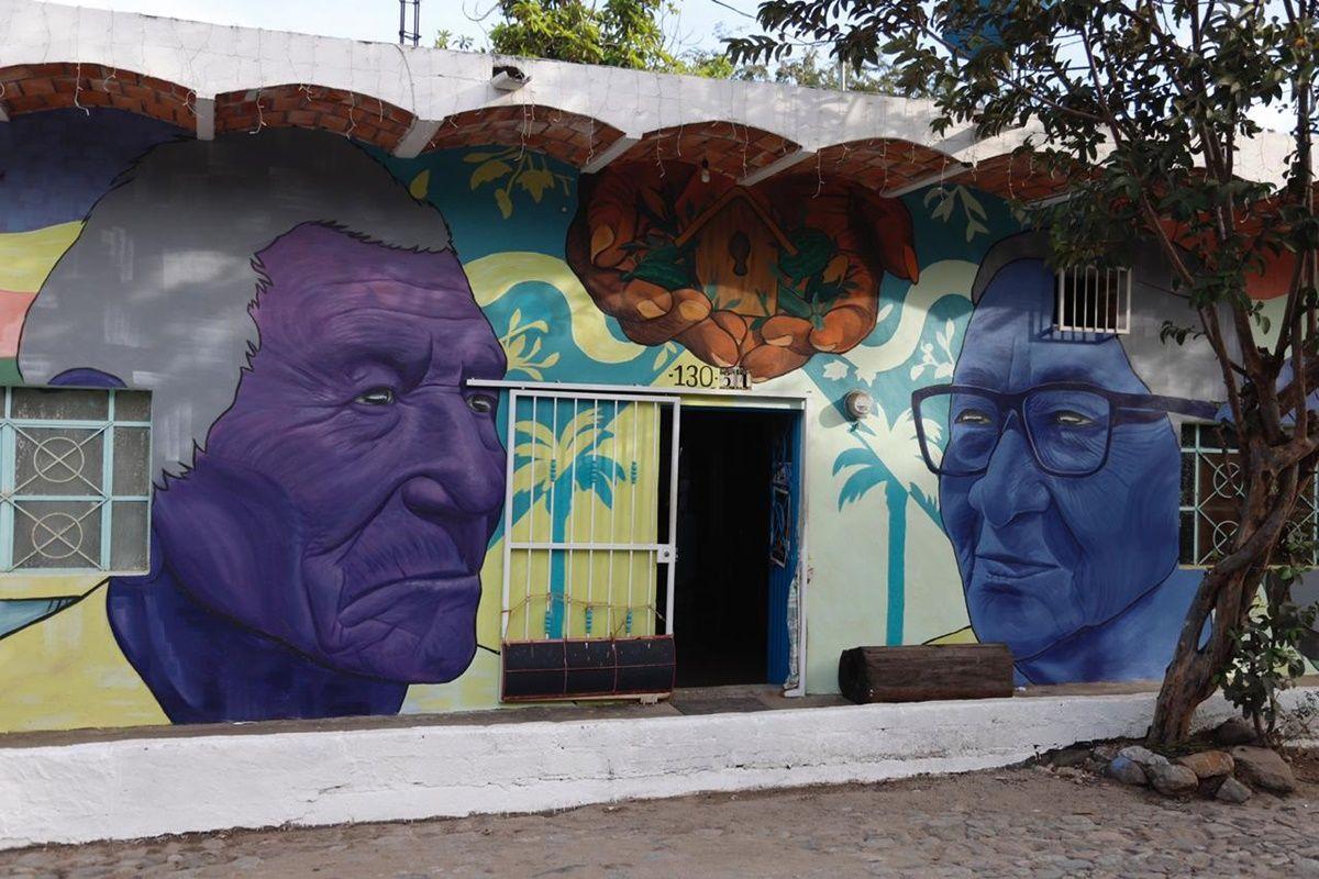 Corredor de arte en la Cruz de Huanacaxtle, murales que alegran el paisaje