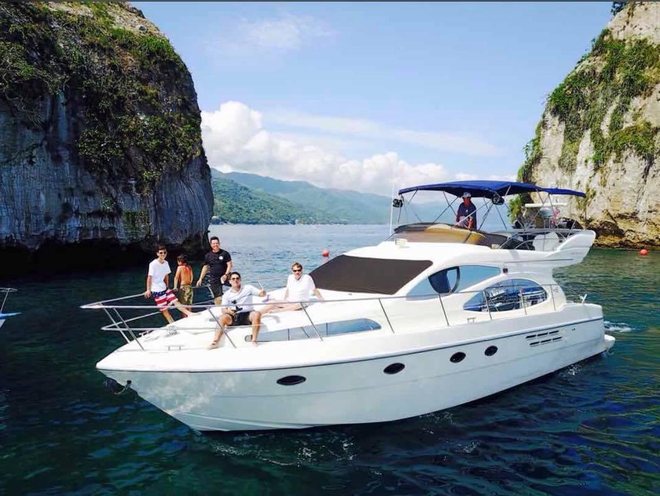 Yates Exclusivos en Puerto Vallarta: glamour, diversión y descanso